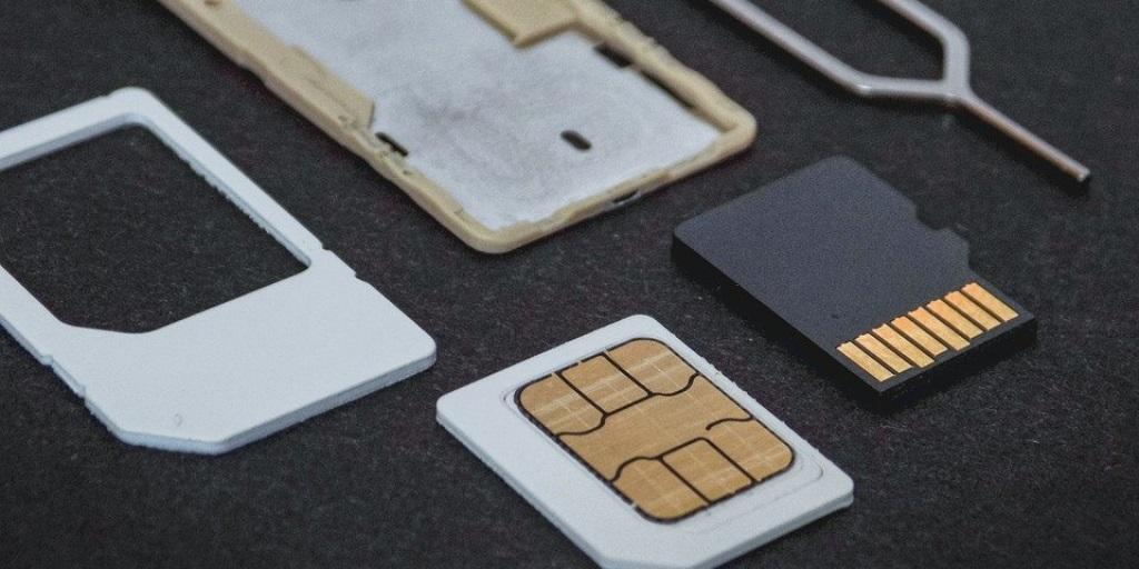 Lepas Komponen Handphone